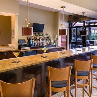 Holiday Inn & Suites Orlando SW - Celebration Area | Kissimmee | cozy bar